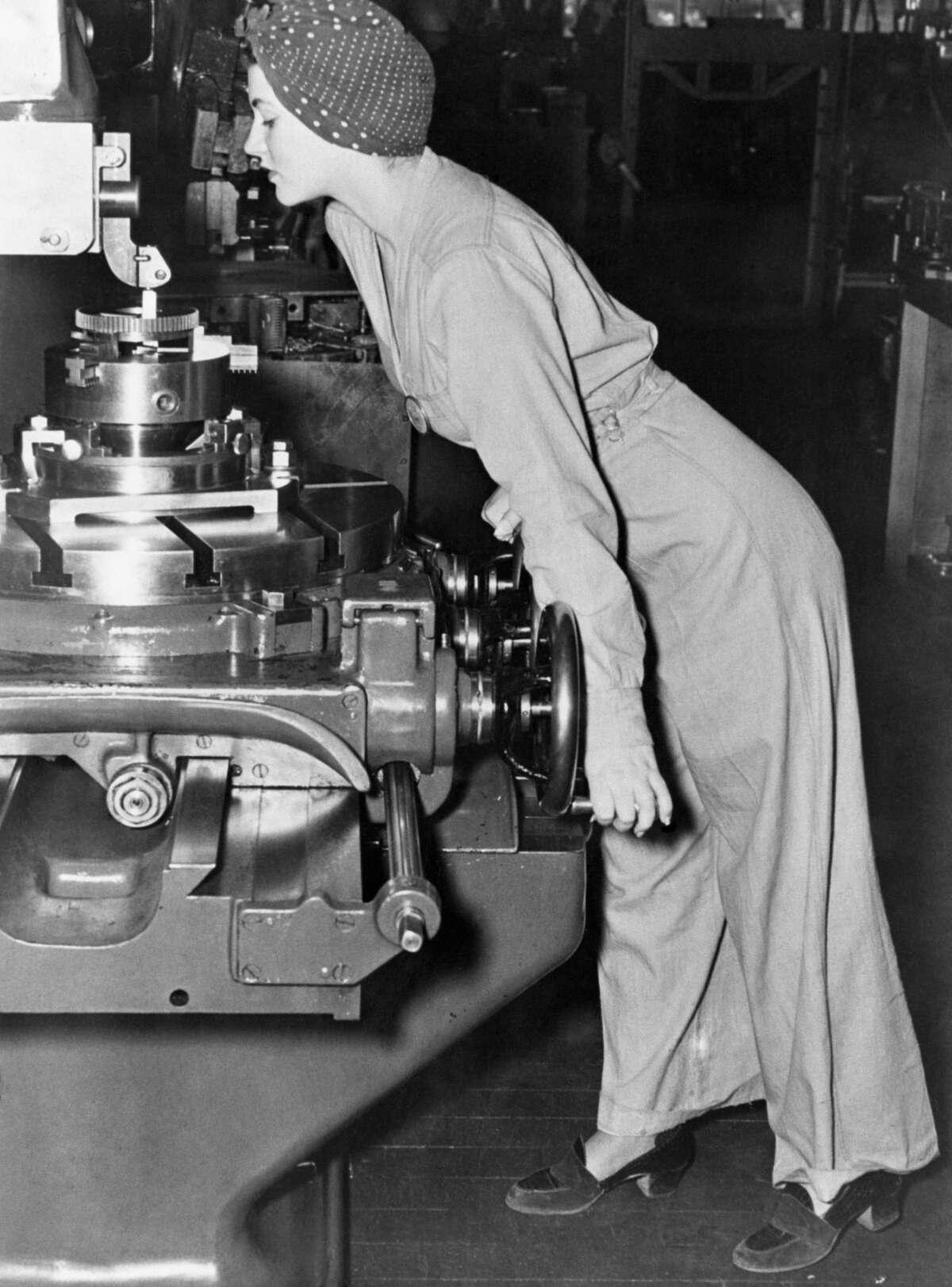 Naomi Parker Fraley at work during the war.