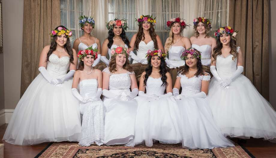 The Symphony Guild presents the 2017-2018 Senior Debutantes. Photo: Chris Hanoch/Don Dickson Photography