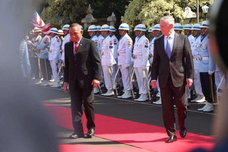 Mattis Visiting Indonesia, Vietnam to Build Relationships