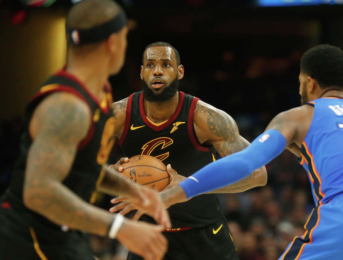 TOP CANDIDATES FOR THE NBA'S MVP AWARD LeBron James By the numbers: 26.6 ppg, 7.9 rpg, 8.7 apg, 54.5 FG %, 35 3p %. Advanced stats: 59 eFG %, 27.7 PER, 7.9 win shares (per basketball-reference) Argument against: Cavaliers struggles through January dropped them to the seventh-best record in the NBA Argument for: While playing the third-most minutes in the NBA and with frequent lineup changes, has carried the Cavs with one of the top four most productive seasons of his career.