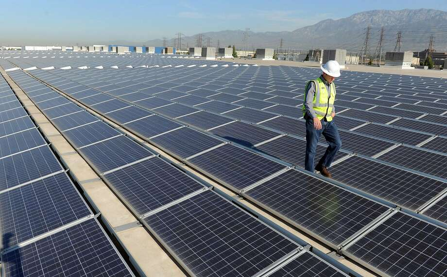 The Trump administration announced Monday that it will impose hefty tariffs on the cheap, imported panels that have driven the rapid expansion of solar power in the United States, a move that industry groups warn will slow the spread of renewable energy and cost thousands of jobs. (Wally Skalij/Los Angeles Times/TNS) Photo: Wally Skalij, TNS