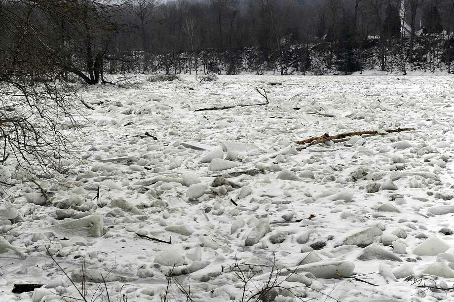 Although there is melting in some areas, big junks of ice continue to jam parts of the Housatonic River on Route 7 in Kent Monday, January 22,2018. Photo: Carol Kaliff / Hearst Connecticut Media / The News-Times