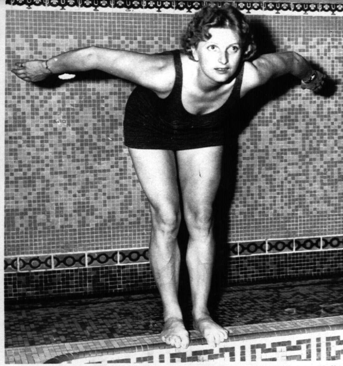 Elthelda Bleibtrey prepares to dives into a New York pool in 1936.