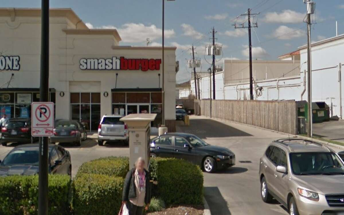 Smashburger #1027 5220 Buffalo Speedway Houston, TX 77005 Demerits: 12 Inspection Highlights:Provide effective measures intended to eliminate the presence of flying gnats (soda beverage tubing room).