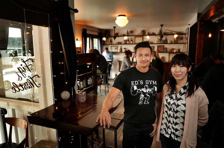 Owners Angel Davis, right, and Nguey Lay at the Fig & Thistle Wine Bar in San Francisco, Calif., on Sunday, January 21, 2018. Photo: Carlos Avila Gonzalez, The Chronicle