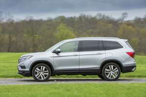 "The Honda Pilot three-row SUV won Kelley Blue Book's 2018 ""Best Value Award"" in the midsize SUV category."