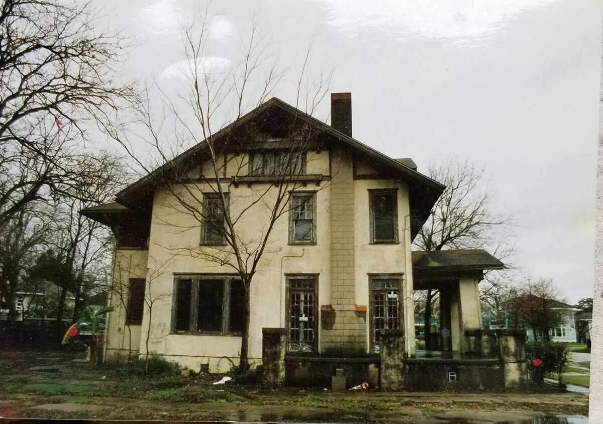 Mariana Lemesoff, the longtime owner of the Avant Garden in Montrose, shared a photo of what the bar and performing arts venue looked like before she took it over in the '90s. Avant Garden at 411 Westheimer was known first as The Mausoleum in 1996 but in 2000 it was rechristened as Helios. Later in 2007 the name changed to Avant Garden.