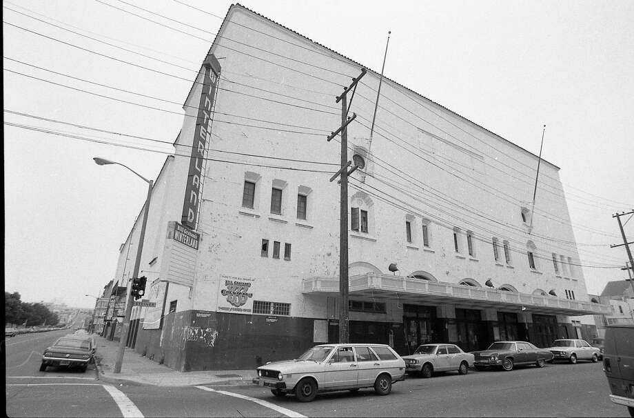 The exterior of the Winterland Ballroom after it closed as a concert hall in 1980. Photo: Tom Levy, The Chronicle