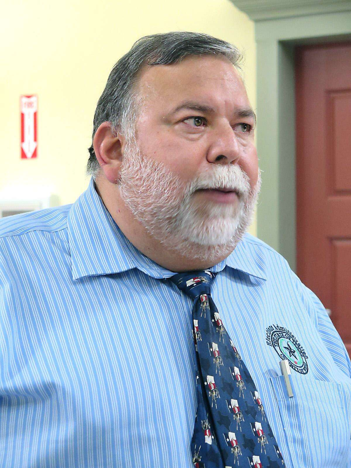 Webb County Elections Administrator Oscar Villarreal will resign Feb. 1, 2018.