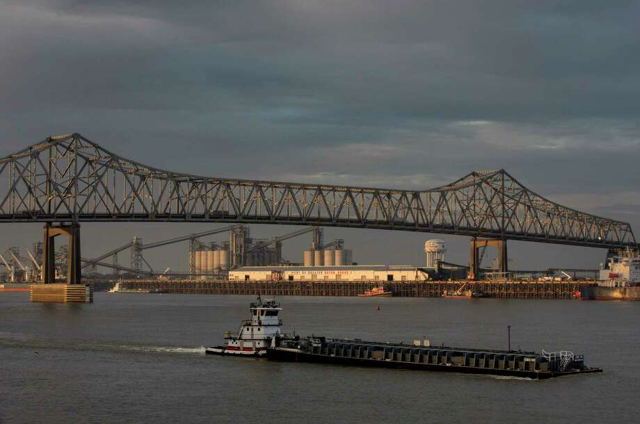The sun rises over the Mississippi River in downtown Baton Rouge. Photo: Jon Shapley, Staff Photographer / © 2017 Houston Chronicle