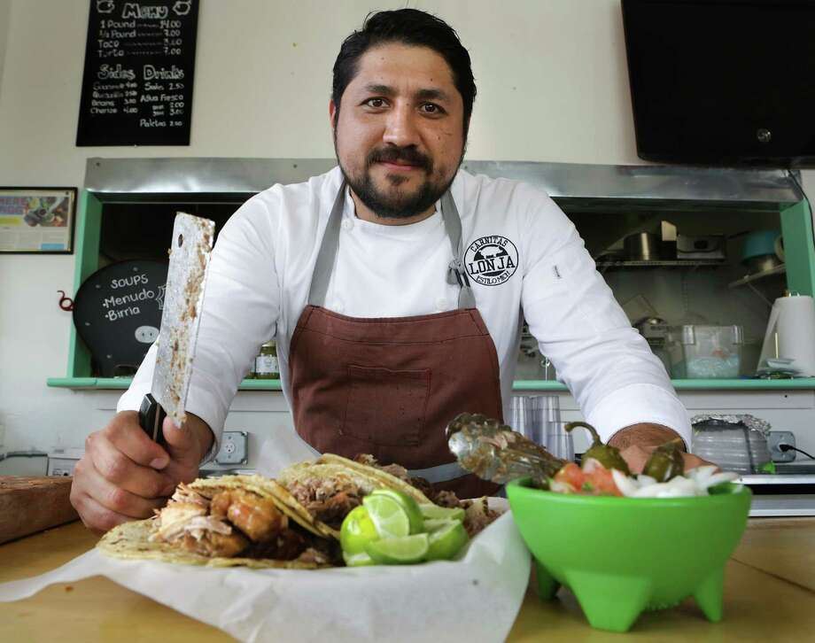 Alex Paredes, owner and chef of Carnitas Lonja, will feature a seven-course meal for the final dinner of the Saint City Supper Club in July. Photo: Bob Owen /Staff File Photo / ©2018 San Antonio Express-News