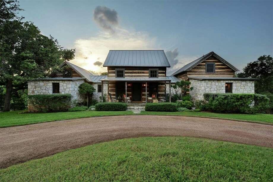 Century Old Log Cabins Combine For Houston Designer Gloria