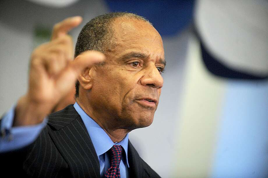 Kenneth Chenault plans to retire Feb. 1 after 16 years at the helm of American Express. Photo: Dennis Van Tine, TNS