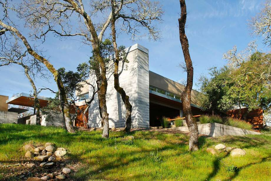 12550 Henno Road in Glen Ellen sits on more than 24 acres. Photo: Jack Journey