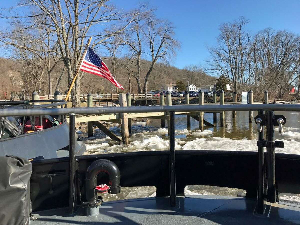 The plan was to head upriver toward Middletown but the East Haddam Swing Bridge was having mechanical problems which diverted traffic on the Connecticut River and over the span itself.