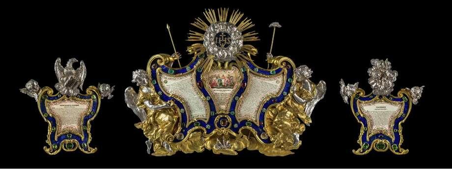 The ornate three-piece jeweled cartegloria from the altar of St. Ignatius. Photo: Zeno Colantoni / Courtesy Fairfield University / ©Zeno Colantoni