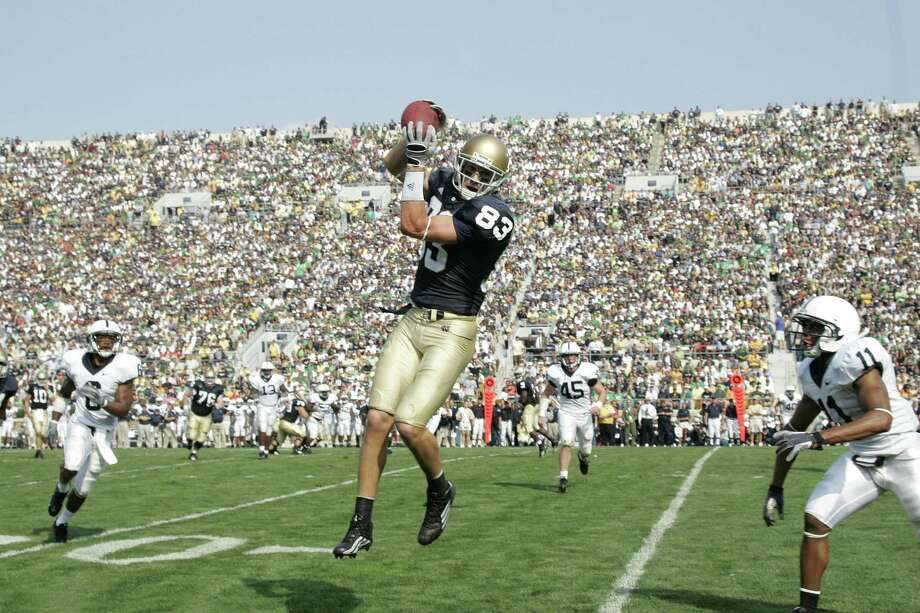 SOUTH BEND, IN - SEPTEMBER 9:  Jeff Samardzija #83 of the Notre Dame Fighting Irish makes a catch against the Penn State Nittany Lions at Notre Dame Stadium on September 9, 2006 in South Bend, Indiana. The Irish defeated the Nittany Lions 41-17. (Photo by Joe Robbins/Getty Images) Photo: Joe Robbins / Getty Images / 2006 Joe Robbins