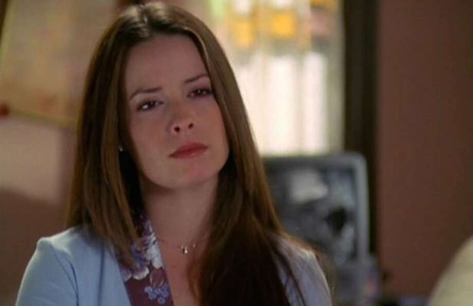 Charmed Holly Marie Combs Wishes Reboot Well Quietly Trolls It