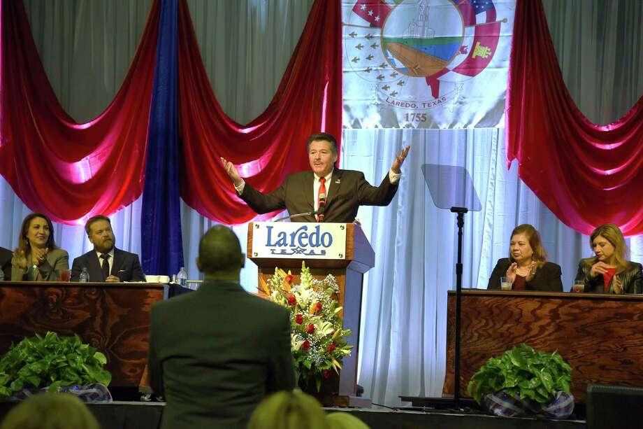 El alcalde Pete Sáenz presenta el Informe de Gobierno de la Ciudad de Laredo en Laredo Energy Arena el jueves 25 de enero. Photo: Christian Alejandro Ocampo /Laredo Morning Times / Laredo Morning Times