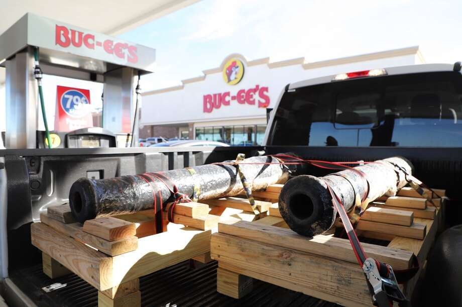 A pair of Alamo cannons were treated to a Buc-ee's pit stop on their way to a makeover. Photo: The Alamo