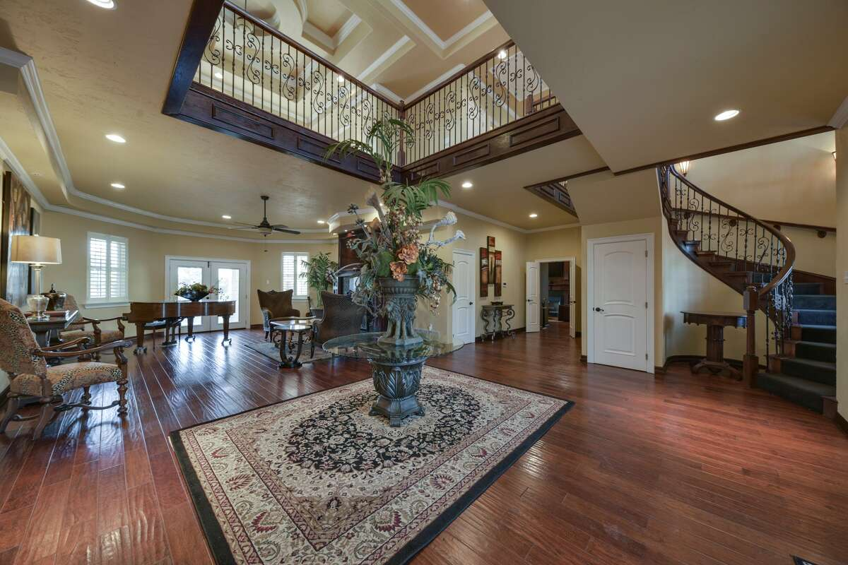 The 2.53-acre property located at8312 Edinburgh Dr. is on the market for$950,000.