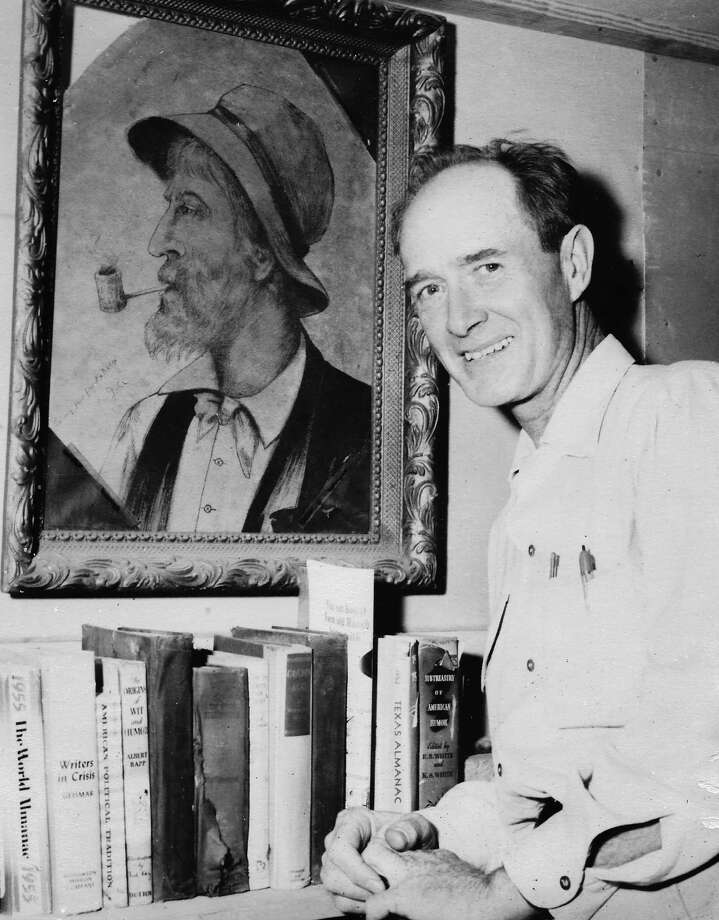 Country newspaperman Henry B. Fox wrote his weekly column across Texas under various noms de plume for 55 years. Photo: Gary Borders, Courtesy Of Carol Fox / handout