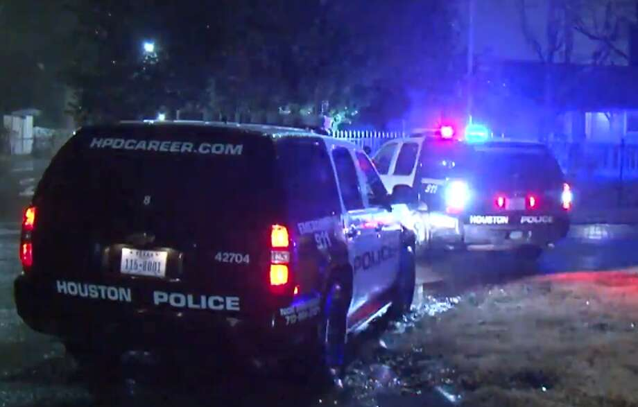 A woman was shot twice in southeast Houston Saturday after an argument with a man she knew, Houston Police said. Officers were dispatched around 2:30 a.m. to Elrod and Garland streets, where they said a 19-year-old woman was shot in the thigh and ankle. Photo: Metro Video LLC / For The Houston Chronicle