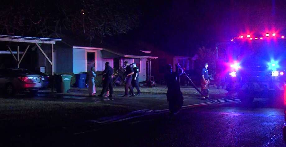 San Antonio firefighters say three people were injured in a house fire on the South Side Saturday morning, Jan. 27, 2018. Photo: 21 Pro Video