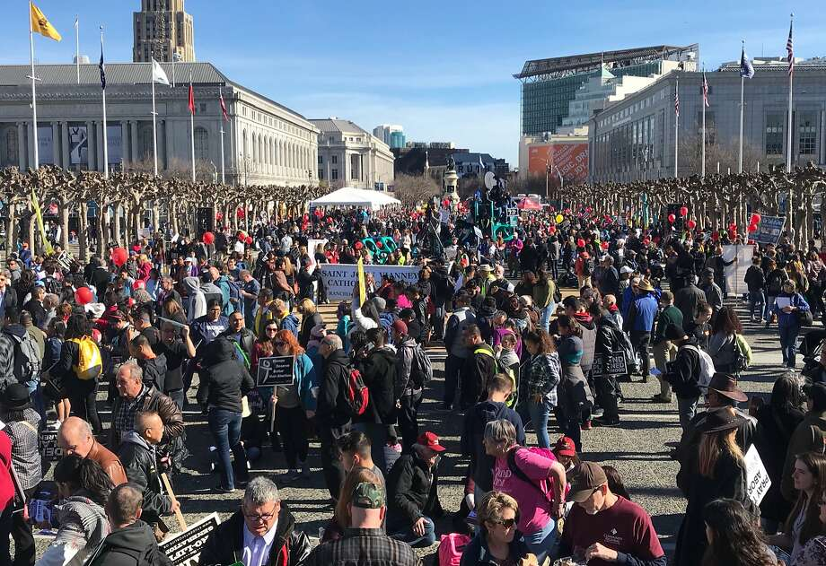 Hundreds begin to gather at Civic Center Plaza before the start of the annual Walk for Life anti-abortion march in San Francisco, Calif. Saturday, Jan. 27, 2018. Photo: Jessica Christian