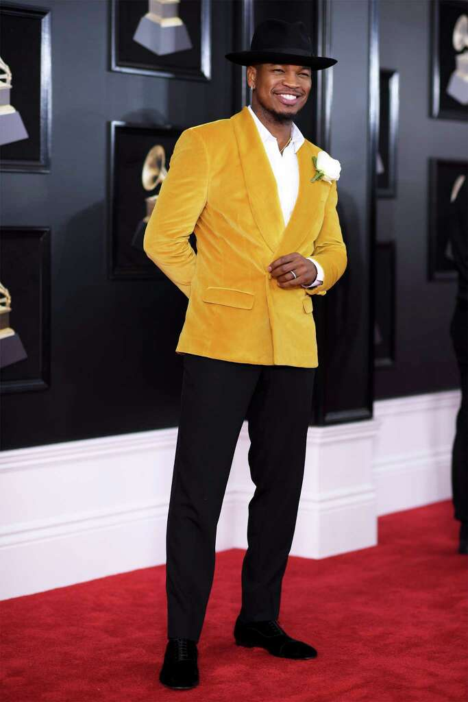 BEST: Ne-Yo brought yellow-velvet swag to the red carpet.  Photo: Dimitrios Kambouris, Staff / 2018 Getty Images