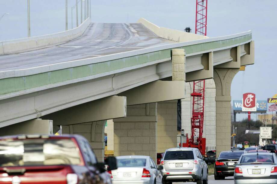 San Antonio got iced over on Jan. 17, 2018, but CPS Energy mostly managed to keep the power going. Keep clicking to see 11 facts and photos that explain how bad the ice storm was in San Antonio. Photo: Tom Reel /San Antonio Express-News / 2017 SAN ANTONIO EXPRESS-NEWS