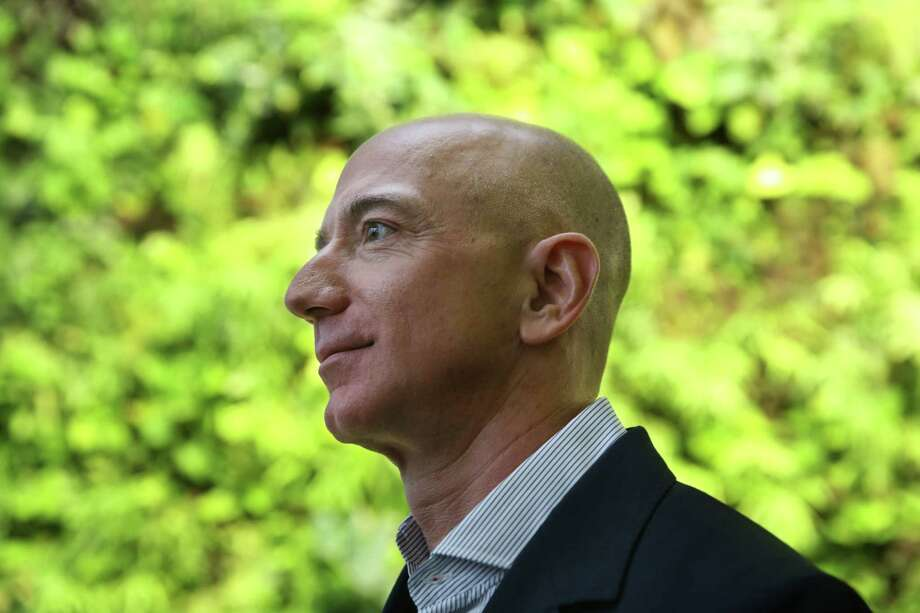 After earning more than $5.6 billion in 2017, which helped make CEO Jeff Bezos the richest man in the world, Amazon paid nothing in federal income taxes in 2017, the company's annual financial report showed. Photo: GENNA MARTIN, SEATTLEPI.COM / SEATTLEPI.COM