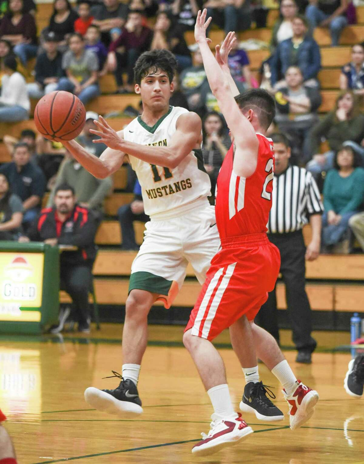 Nixon (25-5, 11-0 District 31-5A), ranked No. 16 in Texas 5A, punched its ticket to the district playoffs with last Friday's home victory over Rio Grande City.