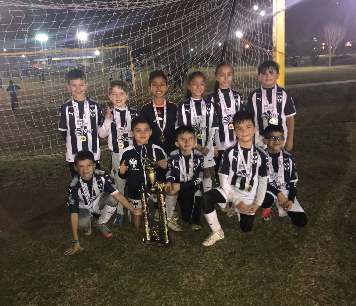 The Rayados 2009 blue team won the 7 Flags Elite soccer league championship final.