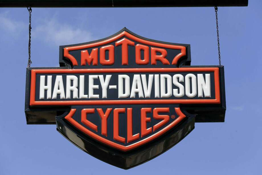 This Wednesday, April 26, 2017, photo shows dealership signs at a Harley-Davidson dealership in Glenshaw, Pa. The Milwaukee-based company reported a 7.9 percent drop to 241,498 motorcycle shipments in 2017 and expects the figure to continue dropping. It forecast 231,000 to 236,000 motorcycle shipments in 2018. Photo: Keith Srakocic /Associated Press / Copyright 2017 The Associated Press. All rights reserved.