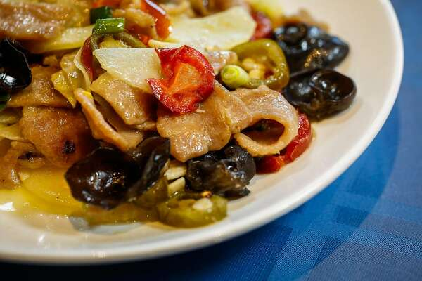 Where to find the best Sichuan and Hunan restaurants in the