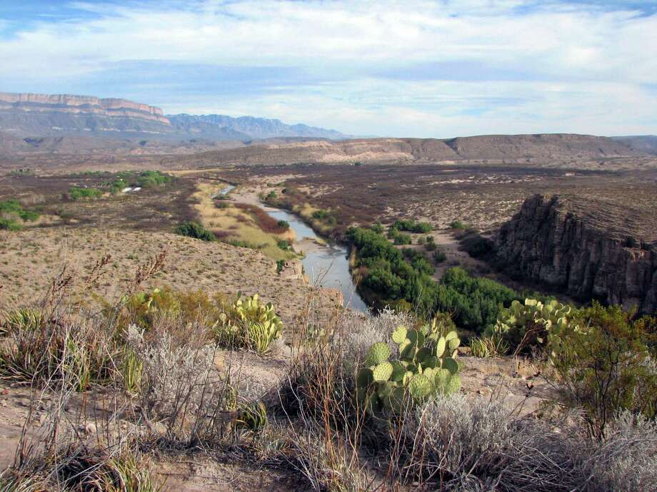 Near Rio Grande Village, a bluff affords a look at the winding river at Big Bend National Park. A reader says building a border wall would be ineffective at keeping out immigrants. Photo: Allen Holder /TNS / Kansas City Star