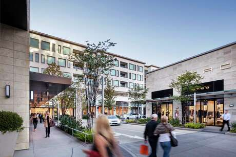 River Oaks District features luxury boutiques such as Tom Ford, Etro, Dior and Stella McCartney.