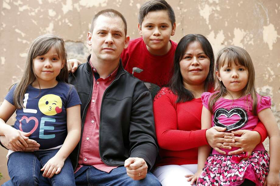 The Kobylecky family — Janet, 7 (from left); Thomas, 40; Teddy, 11; Yedid, 36; and Kimberly, 5 — at their home in Reynosa, Mexico. Photo: Edward A. Ornelas / San Antonio Express-News / © 2018 San Antonio Express-News