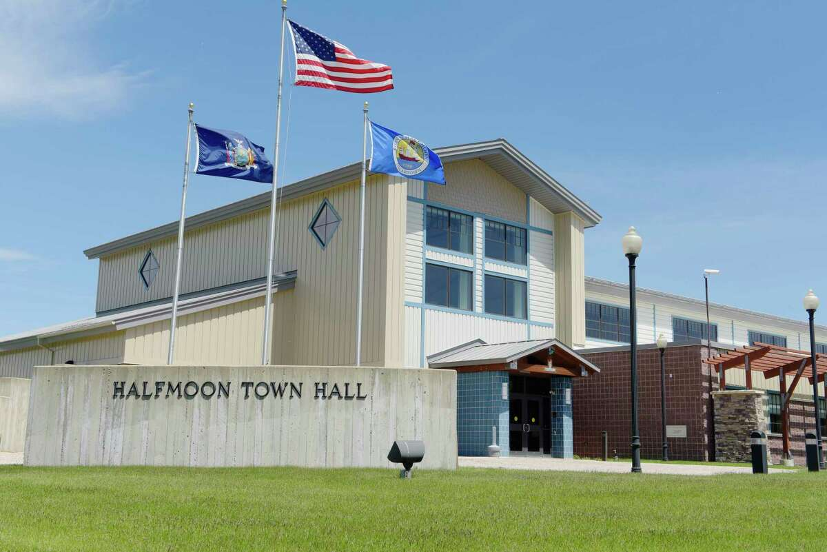 Halfmoon Town Hall will close on Jan. 1 for two weeks in an effort to beat back the coronavirus pandemic. (Paul Buckowski / Times Union)