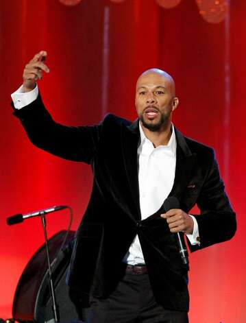 Common performs during the lighting of the National Christmas Tree, Thursday, Dec. 3, 2009, in Washington. (AP Photo/Haraz N. Ghanbari) Photo: Haraz N. Ghanbari / AP