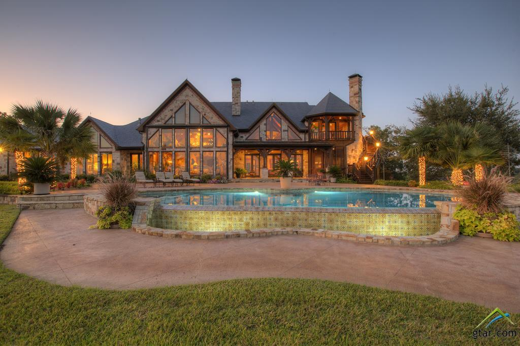Big houses price tags in small texas towns houston for Large houses