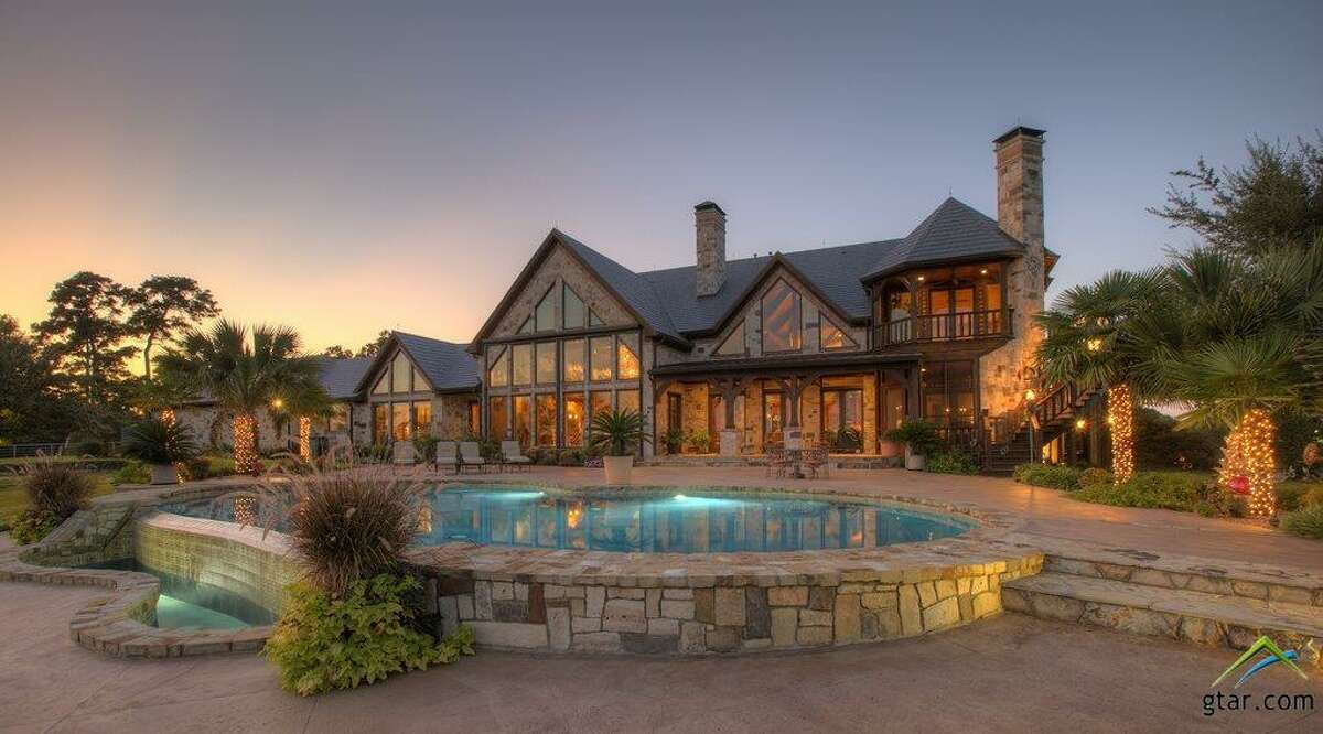40 SE CR 4210 in Mt. Vernon List price: $7.2 million Size: 7,901 square feet