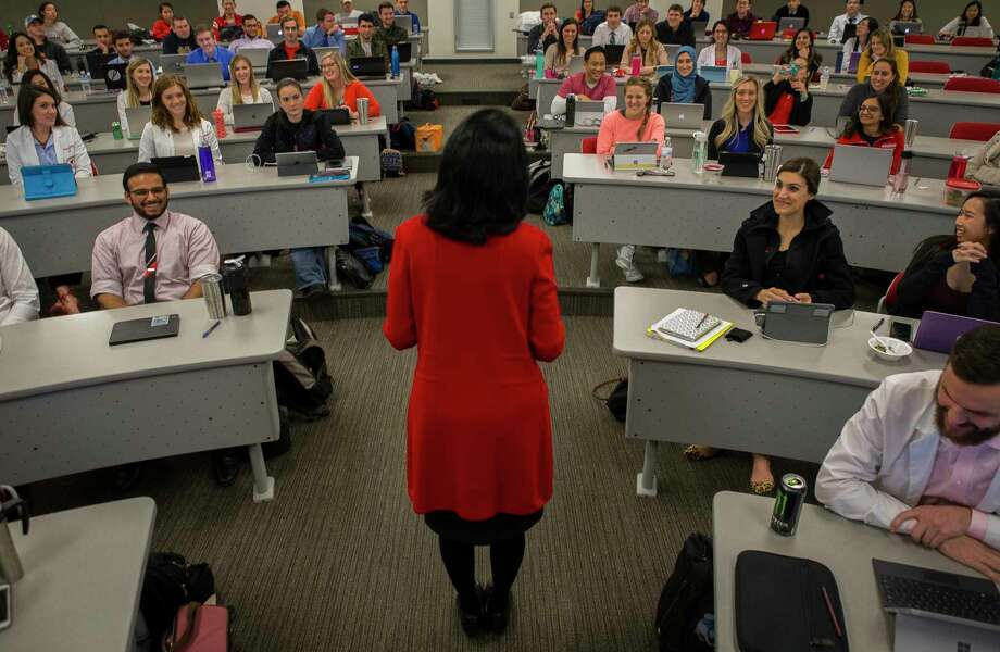 University of Houston president Renu Khator speaks to graduate students in the College of Optometry, Wednesday, Jan. 24, 2018, in Houston. Photo: Mark Mulligan / © 2018 Houston Chronicle