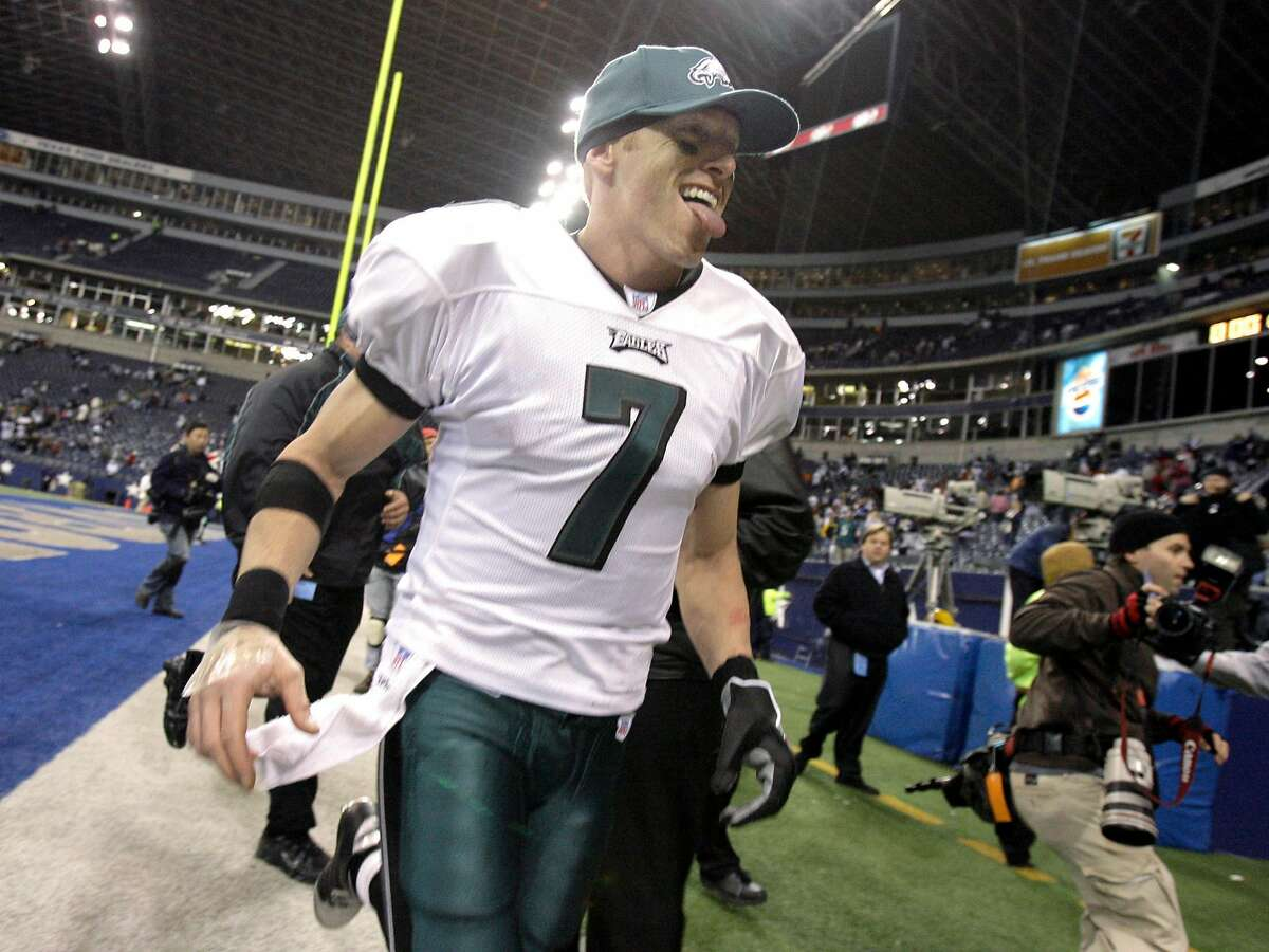 Philadelphia Eagles quarterback Jeff Garcia (7) sticks out his tongue as he runs off the field after the the Eagles beat the Dallas Cowboys 23-7, in their NFL football game in Irving, Texas, Monday, Dec. 25, 2006. With four straight wins, including three in a row on the road, the resilient Eagles are on the verge of winning the NFC East title without two fo their best players _ Donovan McNabb and Jevon Kearse. (AP Photo/Matt Slocum)