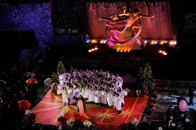 Singer Aretha Franklin performs at the Rockefeller Center Christmas tree lighting at Rockefeller Center on December 2, 2009 in New York City.  (Photo by Jemal Countess/Getty Images) Photo: Jemal Countess / 2009 Getty Images