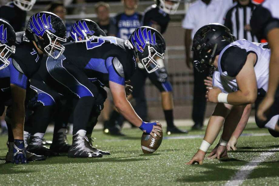 The New Caney offensive line faces off with Vidor during the varsity football game on Friday,  Nov. 17, 2017, at Galena Park ISD Stadium. (Michael Minasi / Houston Chronicle) Photo: Michael Minasi, Staff Photographer / © 2017 Houston Chronicle