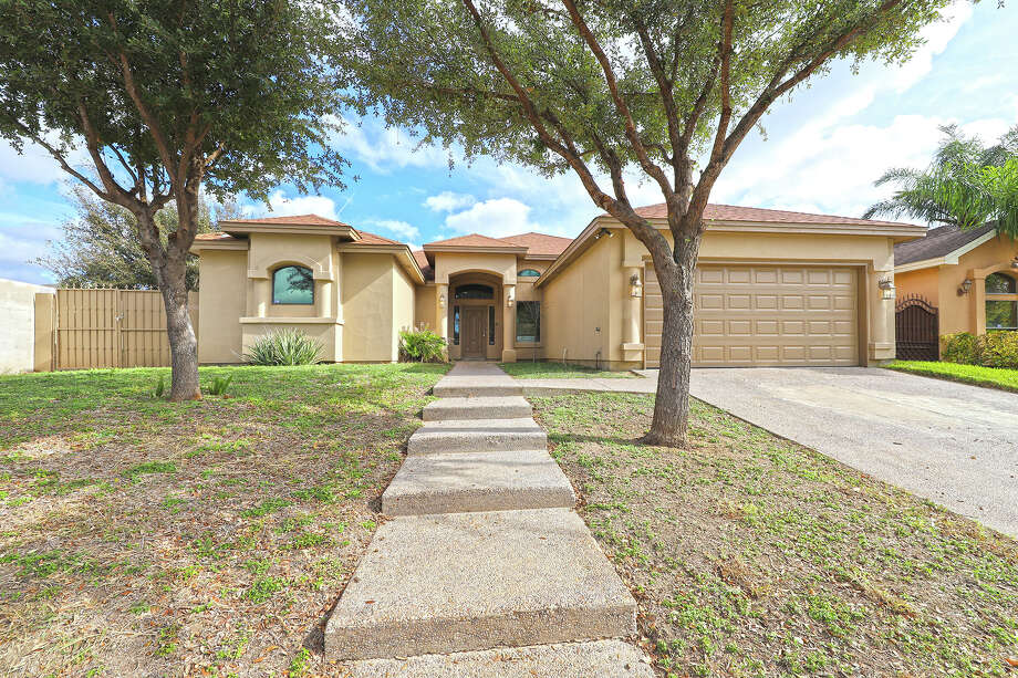 3 bedrooms, 2 baths, Elegant Style of Living