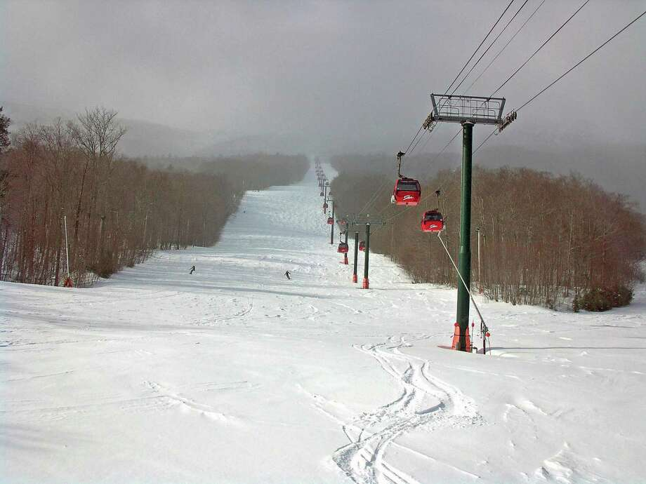 A live cam offers a view of a skiing area at Mount Mansfield in Stowe, Vermont. Photo: /