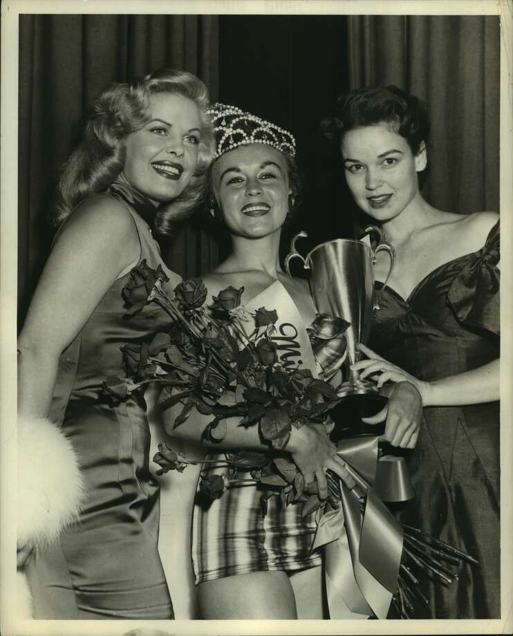 July 7, 1955. Pictured, left to right: Cleo Moore (movie star); Sue Carol Brogier (Miss Houston), Katherine Grandstaff (actress). Photo: Tom Colburn/Houston Chronicle